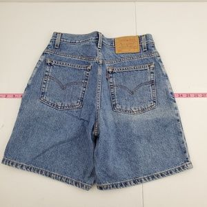 Levi's 550 relaxed fit regular size 8 shorts F62